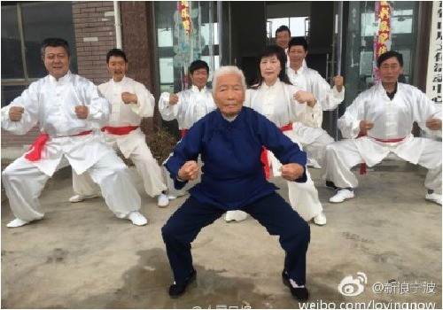 90 năm luyện võ, cụ bà múa côn, đi quyền khiến trai tráng phát hờn - ảnh 4