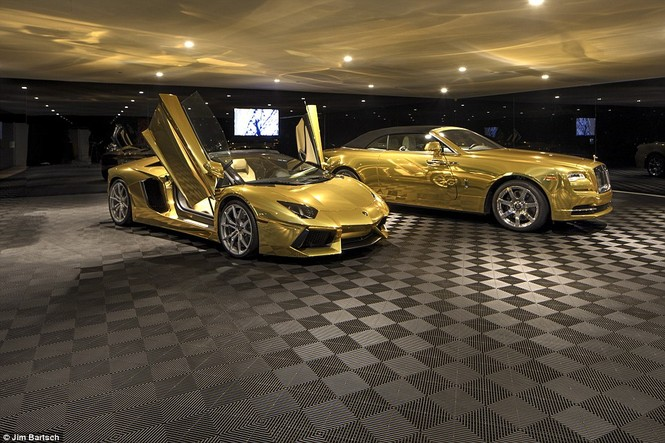 Biệt thự giá 100 triệu đô kèm siêu xe dát vàng - ảnh 2