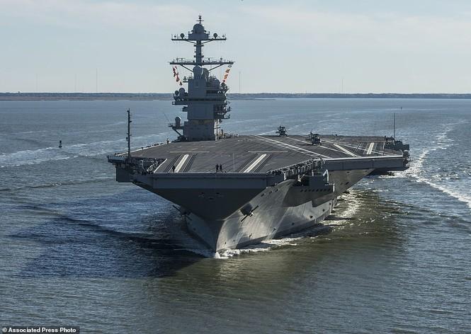 Tàu sân bay 13 tỷ USD của Mỹ lần đầu ra biển - ảnh 2