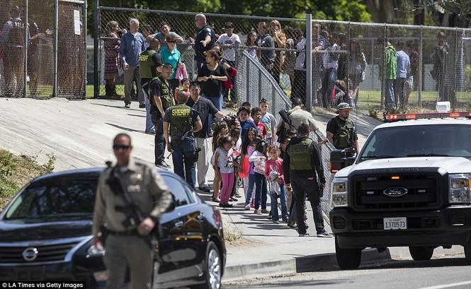 Nổ súng trong trường tiểu học, 3 người thiệt mạng - ảnh 2