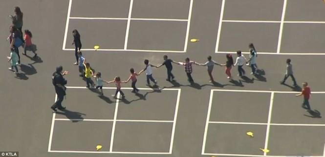 Nổ súng trong trường tiểu học, 3 người thiệt mạng - ảnh 3