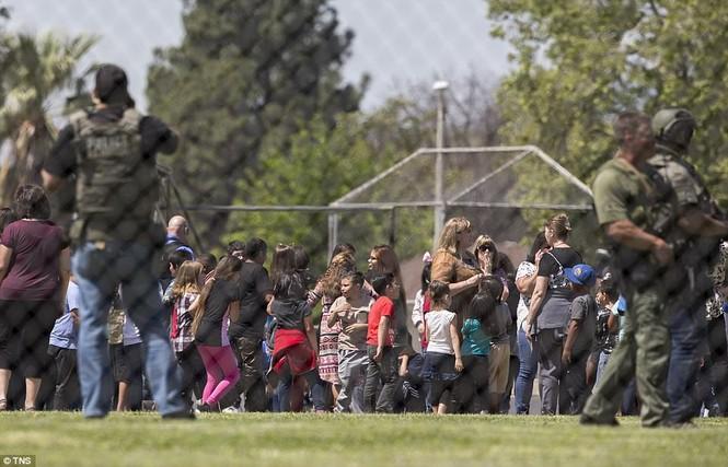 Nổ súng trong trường tiểu học, 3 người thiệt mạng - ảnh 4
