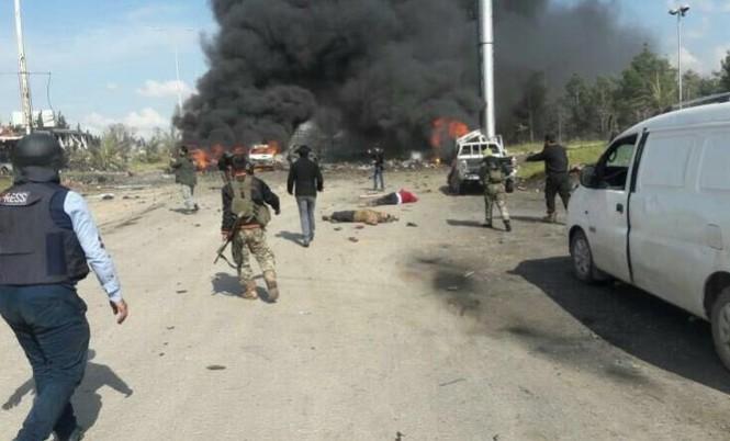 Syria: Đánh bom đoàn xe sơ tán, 70 người thiệt mạng - ảnh 3