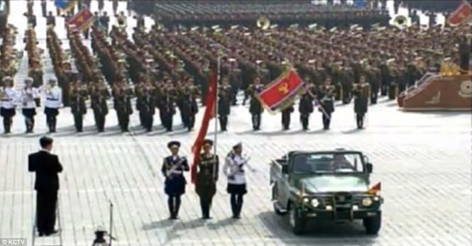 Cận cảnh cuộc duyệt binh hoành tráng nhất lịch sử CHDCND Triều Tiên - ảnh 6