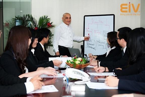 5 nguyên tắc tìm giáo viên dạy tiếng Anh cho công ty - ảnh 1