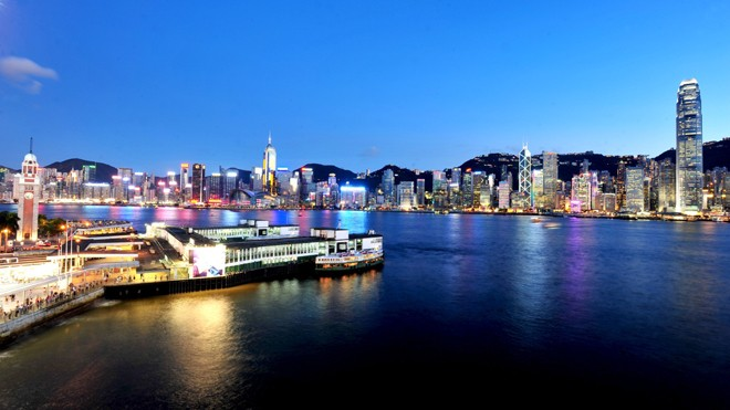 """Hàn Quốc, Hồng Kông """"đốt nóng"""" mùa dành cho phái đẹp - ảnh 1"""