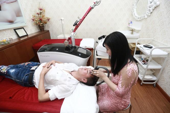 Mr Đàm tích cực chăm sóc da để xuất hiện trong 'Diamond Show' - ảnh 1