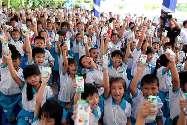 Quỹ sữa Vươn cao Việt Nam tiếp tục tặng sữa cho trẻ em tại Cần Thơ - ảnh 4