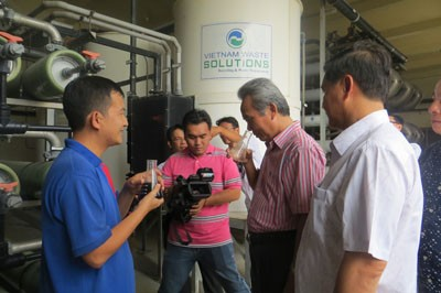 Hiệp hội doanh nghiệp TPHCM tham quan quy trình xứ lý rác tại Đa Phước - ảnh 1