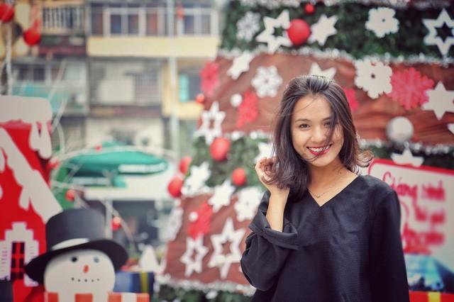 Hoa khôi ĐH Quốc gia Hà Nội duyên dáng đón Noel - ảnh 3
