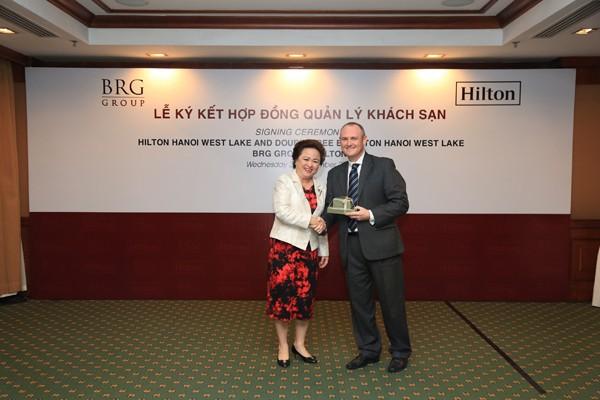 Công ty Cổ phần Khách sạn Thắng Lợi ký kết hợp tác với Hilton Worldwide - ảnh 2