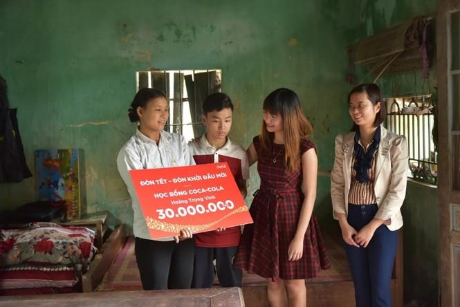 Người dân ba miền 'đón Tết, đón khởi đầu mới' cùng Coca-Cola - ảnh 2