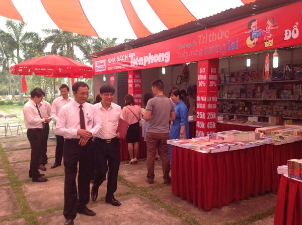 Nhà sách Tiền Phong khuyến mãi lớn tại 'Ngày Sách Việt Nam' ở tỉnh Bắc Ninh - ảnh 1