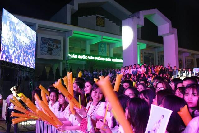 """Noo Phước Thịnh cùng dàn sao hot """"đại náo"""" đêm nhạc tại Quảng Bình  - ảnh 5"""