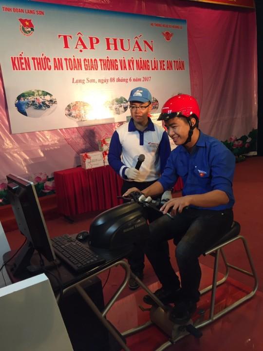 Tập huấn về an toàn giao thông và kỹ năng lái xe năm 2017 - ảnh 2