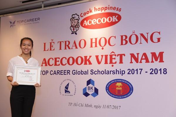 Acecook Việt Nam trao 60 học bổng đồng hành cùng sinh viên vượt khó - ảnh 3