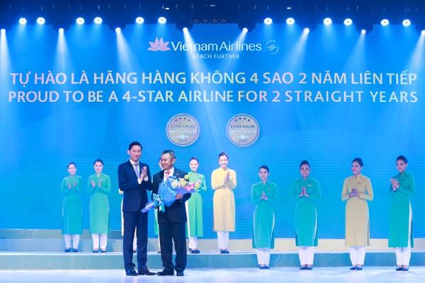 Vietnam Airlines và dấu ấn 'đúng giờ, chu đáo và tiện nghi' - ảnh 1