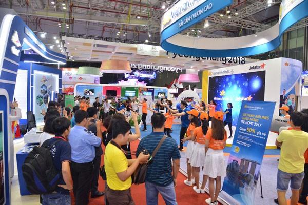 Vietnam Airlines và Jetstar Pacific bán nhiều vé rẻ tại Hội chợ Du lịch Quốc tế TPHCM - ảnh 1
