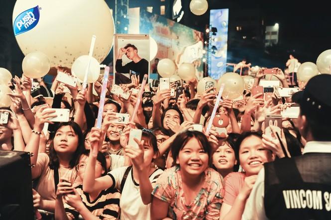 15.000 Teen Hà Thành 'quẩy tung' tại đêm nhạc Pushmax  - ảnh 12