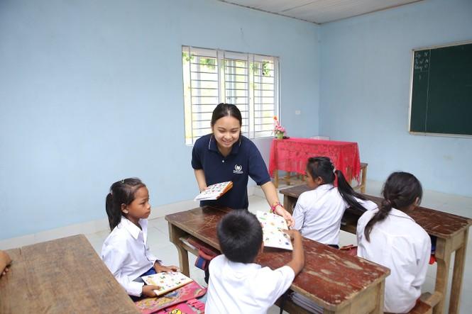 Khánh thành 10 phòng học cho trẻ em nghèo Quảng Trị từ giải chạy Edurun 2016  - ảnh 11