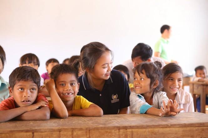 Khánh thành 10 phòng học cho trẻ em nghèo Quảng Trị từ giải chạy Edurun 2016  - ảnh 13
