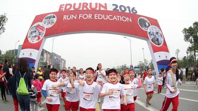Khánh thành 10 phòng học cho trẻ em nghèo Quảng Trị từ giải chạy Edurun 2016  - ảnh 1