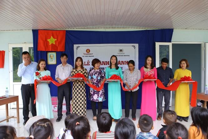 Khánh thành 10 phòng học cho trẻ em nghèo Quảng Trị từ giải chạy Edurun 2016  - ảnh 2