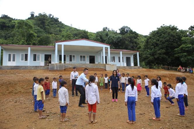 Khánh thành 10 phòng học cho trẻ em nghèo Quảng Trị từ giải chạy Edurun 2016  - ảnh 9