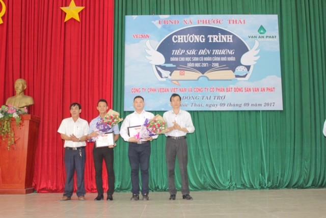 Vedan trao học bổng 'Tiếp sức đến trường' cho học sinh xã Phước Thái  - ảnh 2