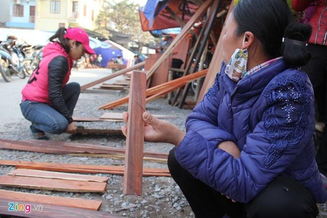 Chợ gỗ trắc vụn độc đáo tại ngôi làng giàu nhất Việt Nam  - ảnh 10