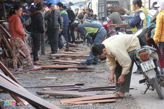 Chợ gỗ trắc vụn độc đáo tại ngôi làng giàu nhất Việt Nam  - ảnh 6