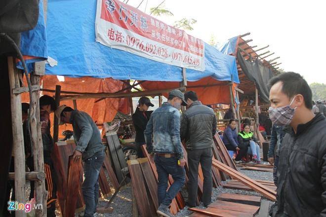 Chợ gỗ trắc vụn độc đáo tại ngôi làng giàu nhất Việt Nam  - ảnh 8
