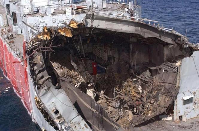 Tàu chiến Anh 'hết đát' trưng dụng làm bia tập bắn - ảnh 3