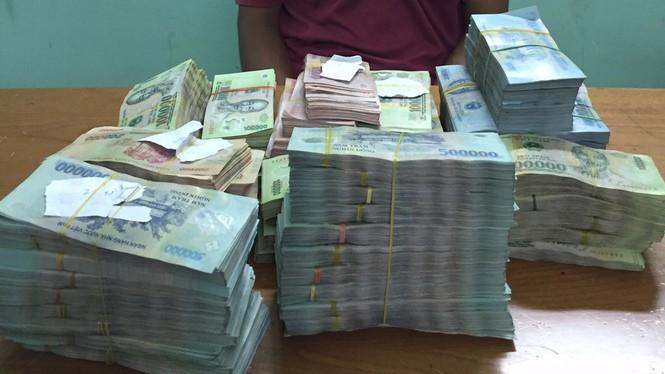 Nhân viên đục két sắt lấy 1,3 tỷ đồng của chủ  - ảnh 1