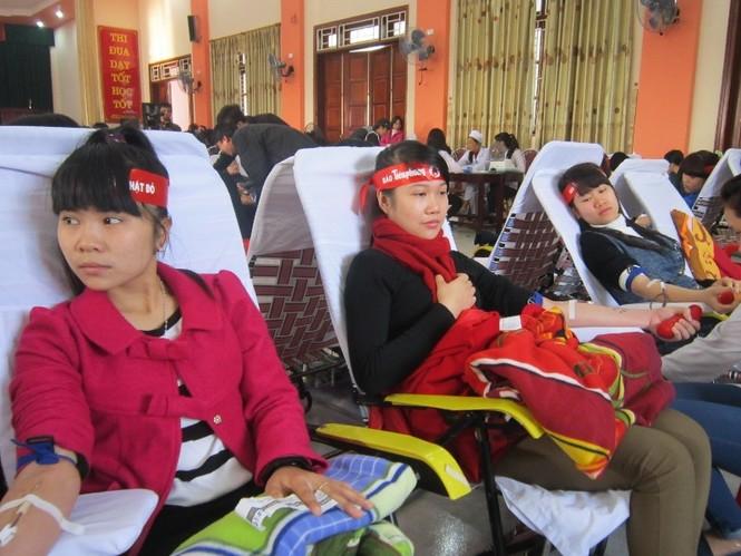 Tưng bừng ngày hội Chủ Nhật Đỏ tại Thanh Hóa - ảnh 2