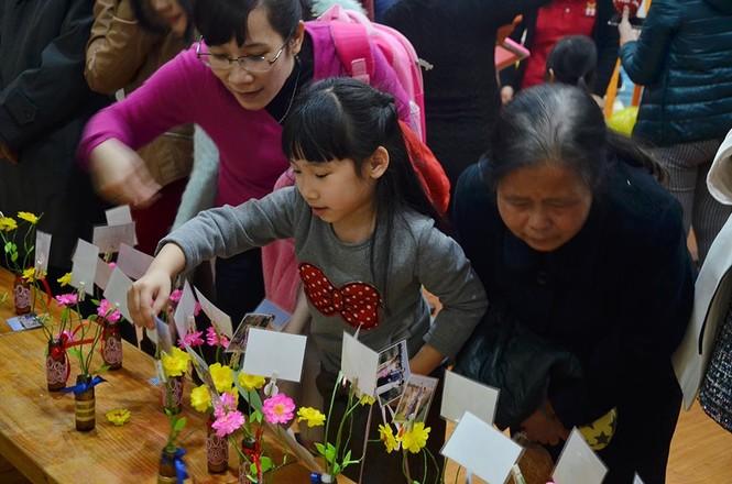 300 trẻ mầm non làm đồ tái chế ủng hộ học trò vùng cao - ảnh 11