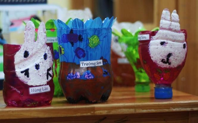 300 trẻ mầm non làm đồ tái chế ủng hộ học trò vùng cao - ảnh 7