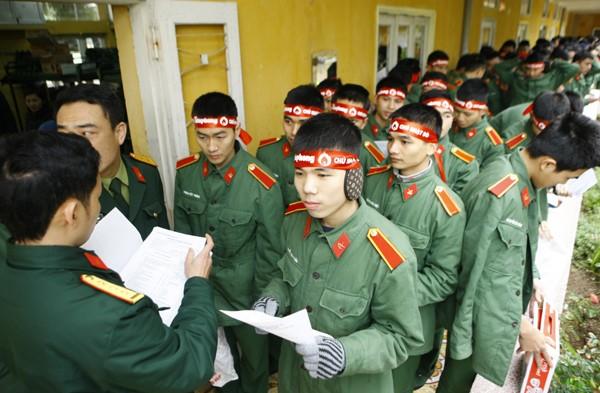 Sinh viên học viện Hậu Cần nô nức tham gia Ngày Chủ Nhật Đỏ - ảnh 10