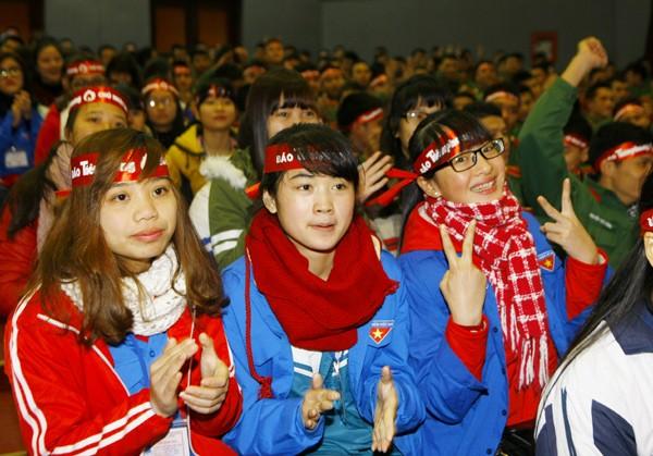 Sinh viên học viện Hậu Cần nô nức tham gia Ngày Chủ Nhật Đỏ - ảnh 5