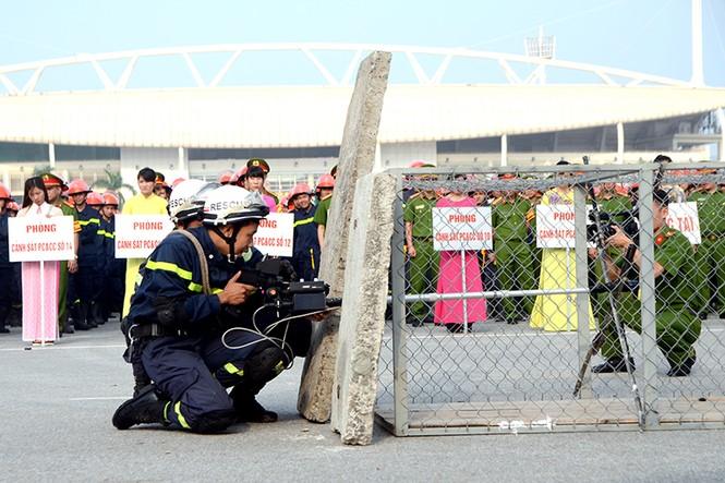 Xem cảnh sát thủ đô tranh tài chữa cháy, cứu nạn, cứu hộ - ảnh 2