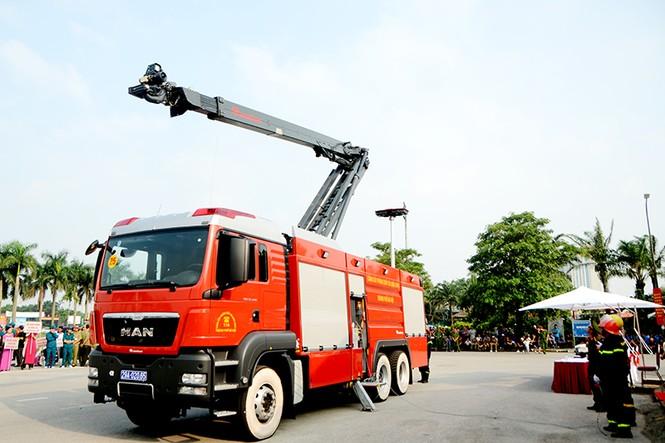 Xem cảnh sát thủ đô tranh tài chữa cháy, cứu nạn, cứu hộ - ảnh 6