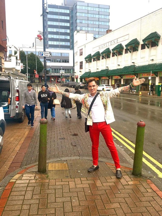 Lâm Chấn Huy 'nghiện' mua sắm tại Anh - ảnh 5