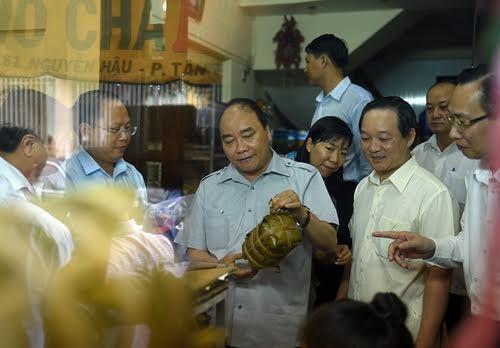 Thủ tướng mừng khi chủ tịch phường nói vanh vách về ATTP - ảnh 1
