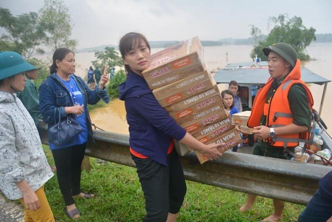 Khẩn trương khắc phục hậu quả 10 trường học tại rốn lũ Hương Khê - ảnh 1