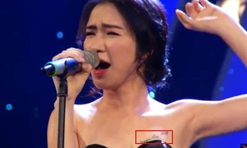 Hòa Minzy khẳng định không xóa tên Công Phượng ở ngực - ảnh 1