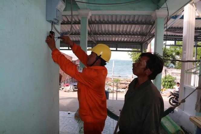 Xã đảo Hòn Nghệ có điện lưới quốc gia  - ảnh 3
