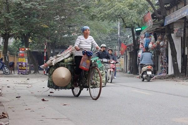 Đường phố Hà Nội vắng vẻ ngày đầu năm mới 2017 - ảnh 7