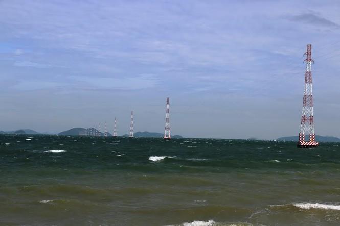 Xã đảo Hòn Nghệ có điện lưới quốc gia  - ảnh 1