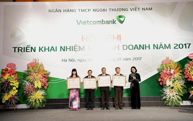 Mỗi cán bộ, nhân viên Vietcombank đang làm ra lợi nhuận tiền tỷ  - ảnh 1