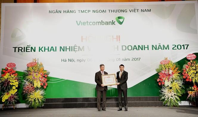 Mỗi cán bộ, nhân viên Vietcombank đang làm ra lợi nhuận tiền tỷ  - ảnh 2
